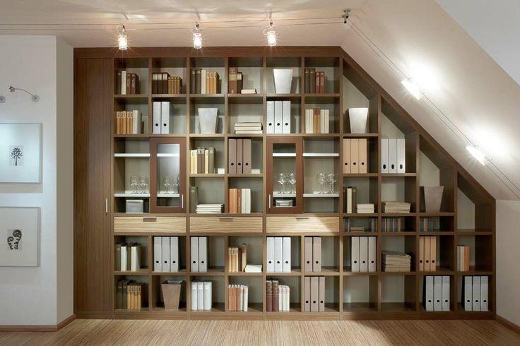 Boekenkast op maat gemaakt. U kunt zelf de materialen en indeling kiezen. Bekijk alle mogelijkheden op http://www.comfortinstijl.nl/boekenkast-op-maat/ #boekenkast #maatkast