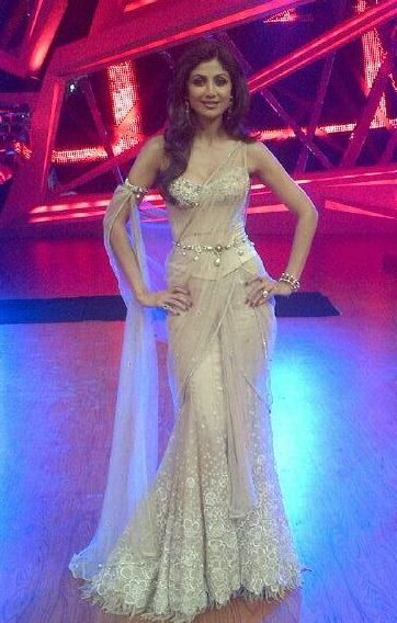 Shilpa Shetty stunning in TarunTahiliani