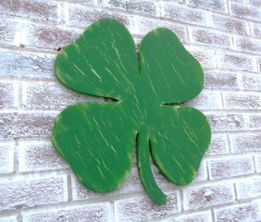 Irish Shamrock, Lucky shamrock, Irish Wedding guest book, St. Patrick's Day wedding, St Patrick's day decor, bar pub sign - supersized large wood clover! #stpatricksday #clover #homedecor