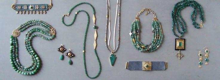 V I R E N T I — Green & Gold Aesthetic. Aventuirne. Green Agate. Emerald. Nephrite. Green Malachite. Chrosoprase. Jade. #highfashion #jewelry #aesthetic