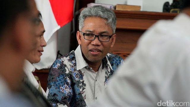 """Praperadilan Buni Yani ditolak hakim  Buni Yani/Foto: Lamhot Aritonang  Hakim tunggal Sutiyono menolak permohonan praperadilan yang diajukan Buni Yani. Buni menggugat penetapan dirinya sebagai tersangka penghasutan SARA. """"Mengadili menolak permohonan praperadilan pemohon untuk seluruhnya"""" kata hakim Sutiyono membacakan amar putusan di Pengadilan Negeri Jakarta Selatan Jalan Ampera Raya Jaksel Rabu (21/12). Hakim mengatakan putusan menolak permohonan praperadilan Buni Yani dilakukan dari…"""