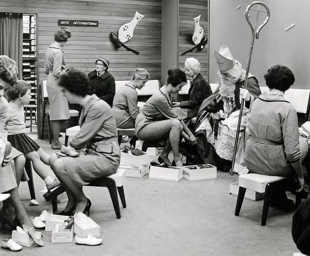 http://pinterest.com/thuiszorg/sinterklaas-sint-nicolaas-foto/    Sinterklaas in de schoenenwinkel / St. Nicholas visiting shoe shop by Nationaal Archief, via Flickr bata
