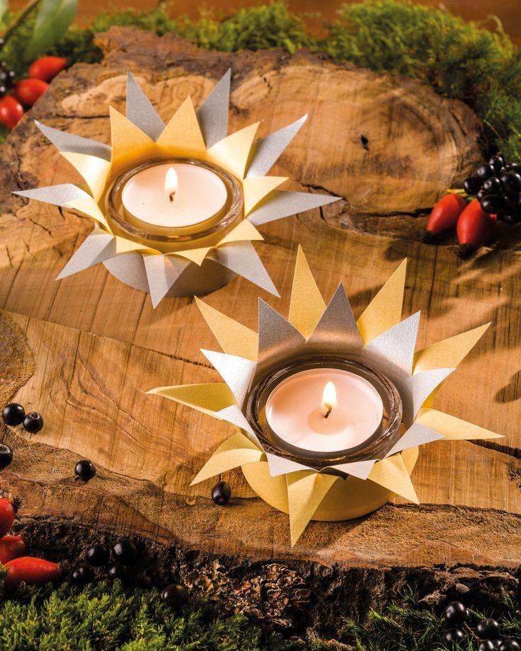 """Glitzerlichter (Idee mit Anleitung – Klick auf """"Besuchen""""!) - Mit ein bisschen Geschick macht man aus einfachen Teelichtern eine hübsche Tischdeko für die Weihnachtszeit. Die Sternenlichter sind ganz einfach nachzubasteln."""