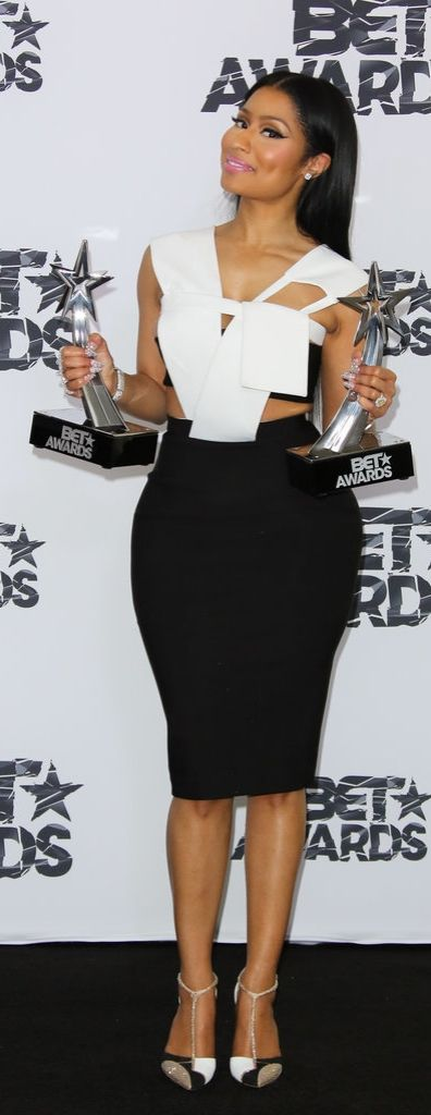 Nicki Minaj at the 2015 BET Awards - Visit www.styleopath.com for a chance to win £200 worth of luxury afro hair products. ~Visit: http://styleopath.com