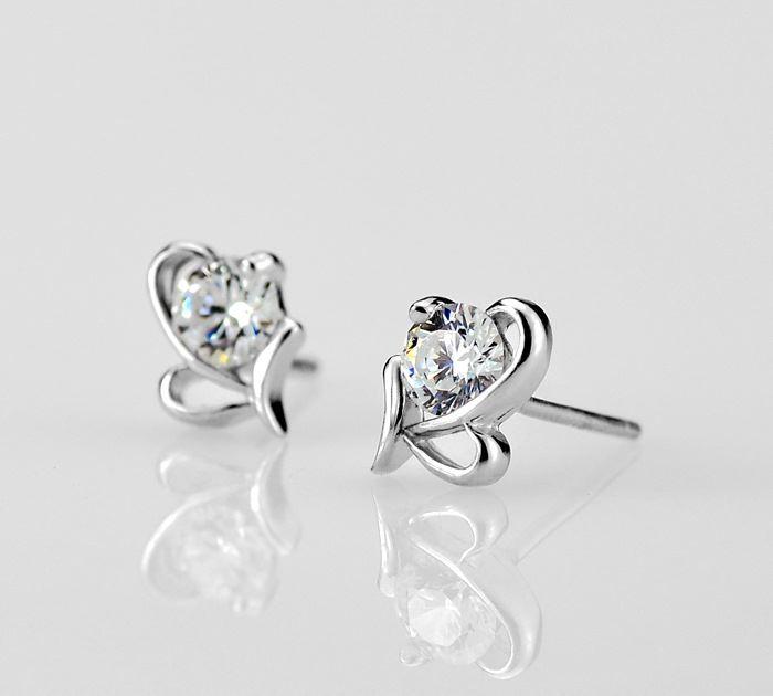 Aliexpress.com: Comprar S925 plata arco en forma de corazón pendientes sra. primera agua idioma joyería hipoalergénicas oído de la joyería de joyería de la etiqueta fiable proveedores en AKOYW S925 Silver stores