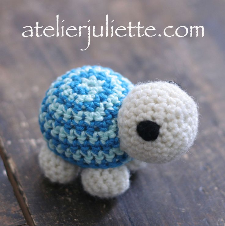 Peluche Tortue Malibombin bleue au crochet : Jeux, jouets par atelier-juliette