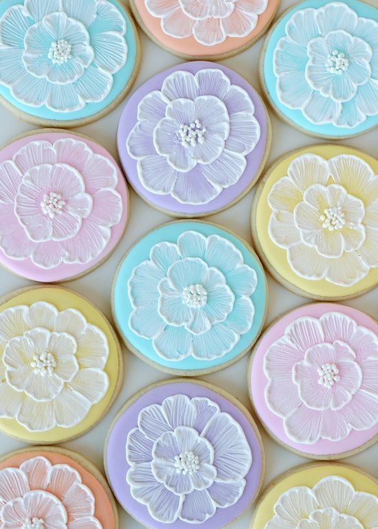 Pastel Brush Embroidery Cookies - glorioustreats.com They're so pretty, and her DIY makes the process look easy!