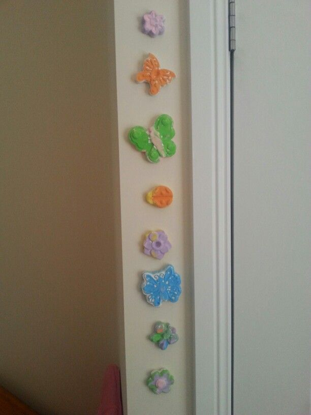 H's painted plaster pieces