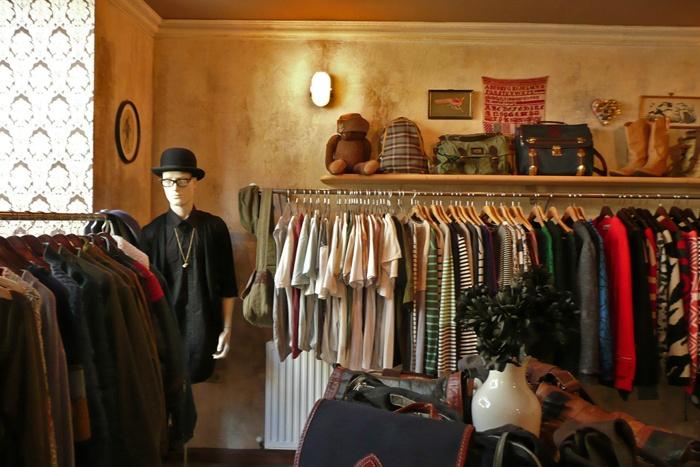 BON VOYAGE: Retrock Deluxe shop in Budapest