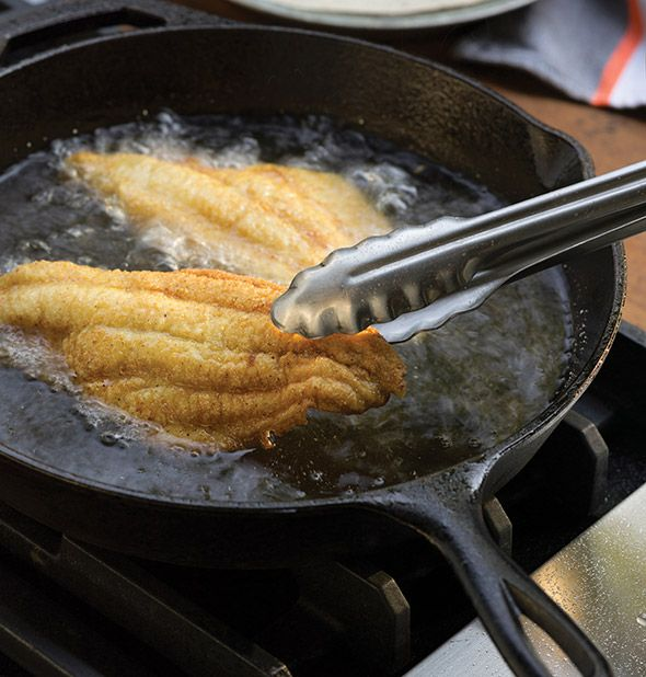 Southern Fried Catfish ~ via    http://LeitesCulinaria.com/98378/recipes-southern-fried-catfish.html
