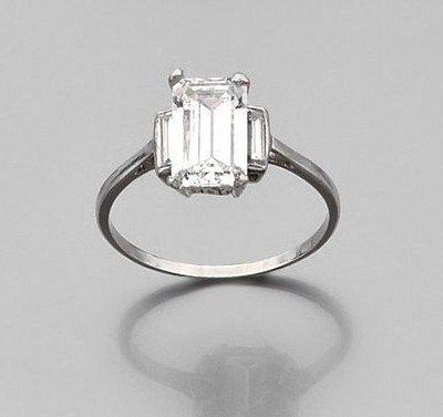 Souvent Les 25 meilleures idées de la catégorie Diamants taille émeraude  UI62
