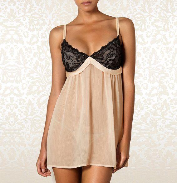 Halka - Amaryllis | Chemise - Amaryllis 179,90PLN #halka #bielizna kremowa #czarna #koronka #seksowna #romantyczna #chemise #lingerie #black #creamy #sexy #romantic #lace #intimate #britney_spears