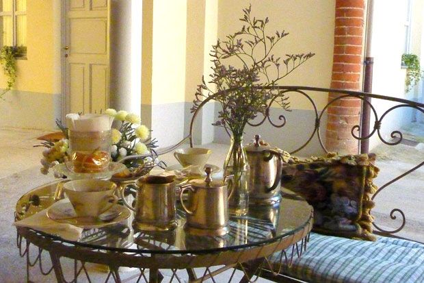 Il cortiletto esterno | Casa Dellatorre | Camere | Bed & Breakfast | Bar | Dormire ad Alba (Cuneo)