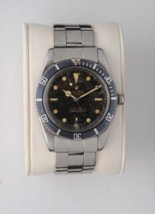 """Rolex Submariner 5508  So called """"James Bond""""  Seriale 1488.....  Year 1961  37mm  Very nice original faded bezel  All original: brass bezel,faded dial and hands ,bracelet,crown,case,movement  Tritium  Original Rolex Garantee Dated 1961         In 1957 Rolex launch the last Submariner without crown guards. Bi directional bezel and Mercedes hands. 6mm crown  and white or gold graphic, had a 6mm crown and as powered by cal. 1030 or 1530.    Production end in 1961"""