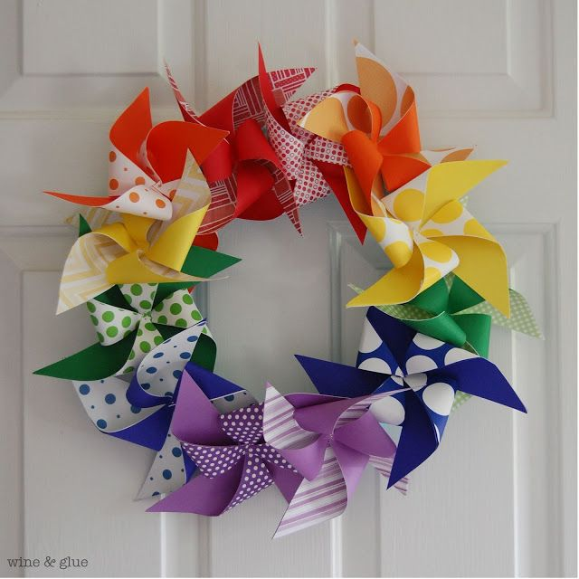 Super easy to make rainbow pinwheel wreath from Wine & Glue #wreath #tutorial
