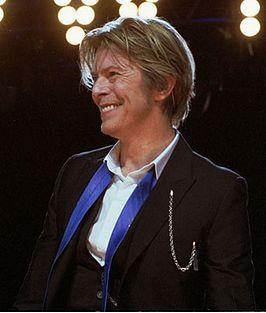 David Robert Jones, beter bekend onder zijn artiestennaam David Bowie (Brixton (Londen), 8 januari 1947) is een Engelse muzikant. Hij wordt gezien als een uiterst invloedrijk rockmuzikant, artiest en acteur, vanaf de jaren zestig tot heden. David Bowie werd bekend vanwege wereldhits zoals Space Oddity, Changes, Ziggy Stardust, Let's Dance, Dancing in the Street, Heroes en Under Pressure. In Nederland had Bowie vijf nummer 1-hits. l