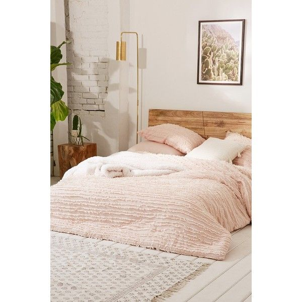 Eyelash Fringe Comforter (245 CAD) ❤ liked on Polyvore featuring home, bed & bath, bedding, comforters, rose bedding, cotton bedding, cotton comforter, bohemian style bedding and urban outfitters