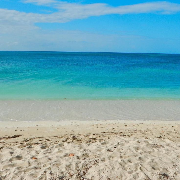The beautiful Playa Ancon beach in Santi Spiritus Cuba . . . . . #traveling #instadaily #instapicture #travelpic #travelphotography #travels #travel #cuba #cuba #trinidadcuba #playaancon #playaancón #playaancontrinidad