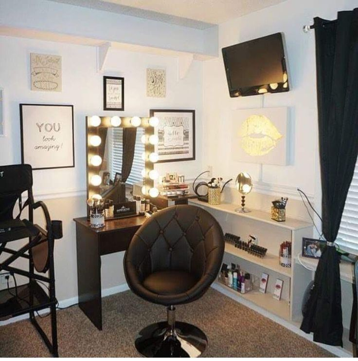 Simply beauty makeup room love it vanity ideas - Estudio de maquillaje ...