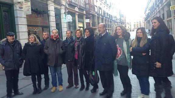 Comerciantes de Platerías traen a Valladolid la «tradición centroeuropea» de los coros en la calle