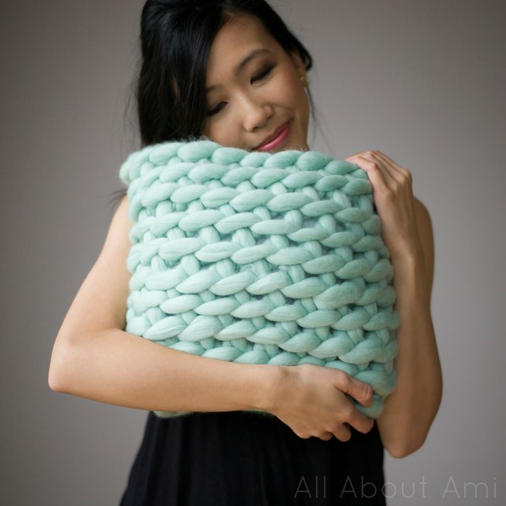 "Free crochet pattern for ""Extreme Crocheted Pillow"" using gorgeous merino wool and a jumbo hook!"