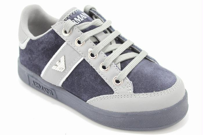 Lage veterschoen, blauw suede met grijs leer van het merk Armani.