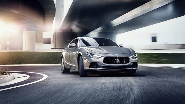 When it comes to luxury sports sedan, then Maserati Ghibli is top of the list. 2017 Maserati Ghibli is the most amazing sport sedan with amazing performance and stylish look.