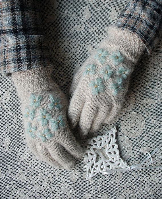 Light beige gloves with blue flowers