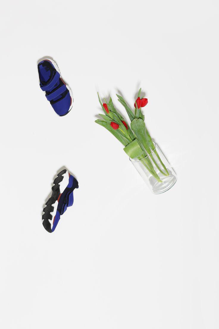 ラトリエフネートル代官山店の2015春夏イメージフォト。  原宿のお花屋さんDILIGENCE PARLOURにディレクションしていただきました。  photo:Yuichi Ihara