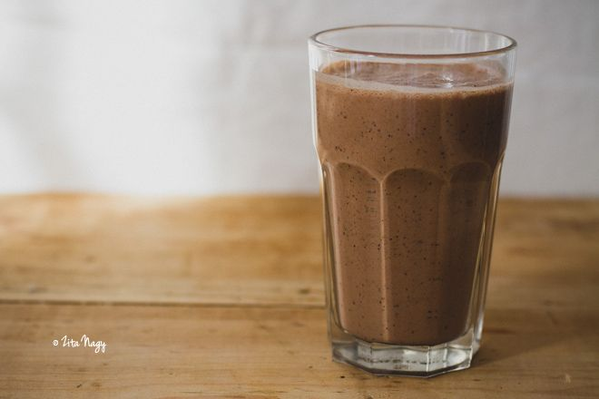 Csokoládés energiabomba turmix (vegán, gluténmentes)