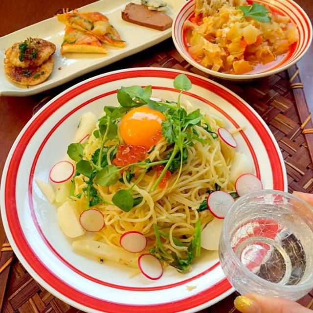今宵は和イタリアンで七草ペペロンチーノお粥で胃腸休めも良いけど、これは美味しくって食べ過ぎちゃうぅ❗️ お野菜たっぷりスープでデトックス 素敵美味しいレシピありがとうございます✨ - 74件のもぐもぐ - Today's Dinnerアンティパスト・ミスト,ズッパ・ディ・ヴェルドゥーラ,七草ペペロンチーノ by honeybunnyb