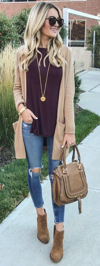 Casual look | Plum shirt, neutral cardigan, jeans and ankle boots