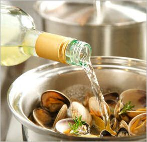 How to clean mussels and clams like a pro! A kitchen tip for every  #GHCBeachDays  kitchen