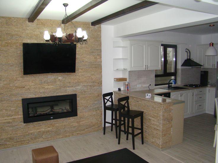 living room -grinzi aparente pentru tavan