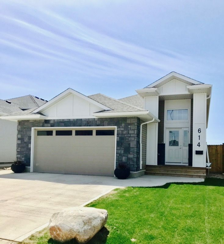 Check out our New Listing in Saskatoon Evergreen! https://saskhouses.com/listings/614-glacial-shores-way-saskatoon-evergreen/ #yxe #evergreen