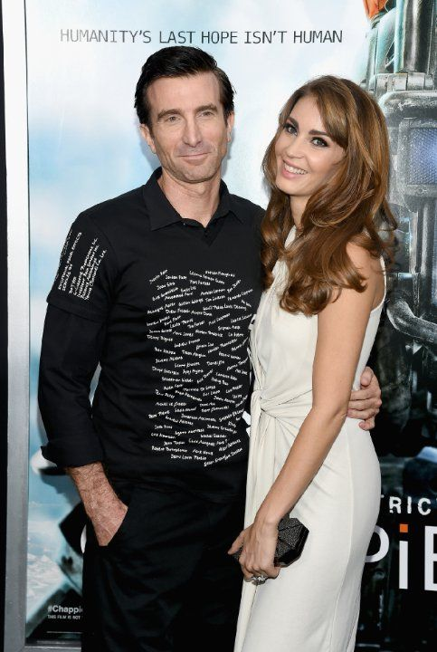 Sharlto Copley and Tanit Phoenix at event of Chappie (2015)