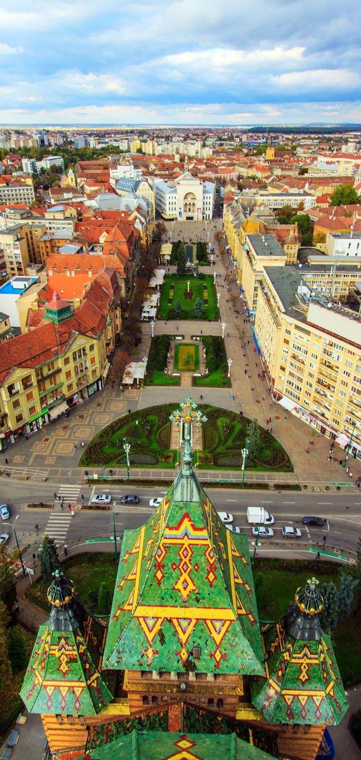 La ciudad de Timisoara de Rumania se ve desde la parte superior de la catedral ortodoxa.