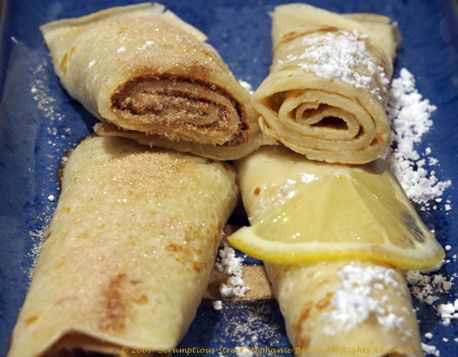 Pancakes with sugar, cinnamon and lemon!