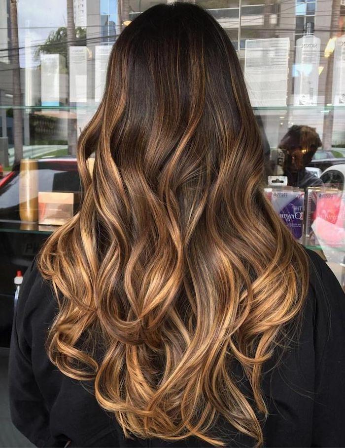 balayage technik, haare schön stylen lange haare mit verflechtenden haarfarben, ideen