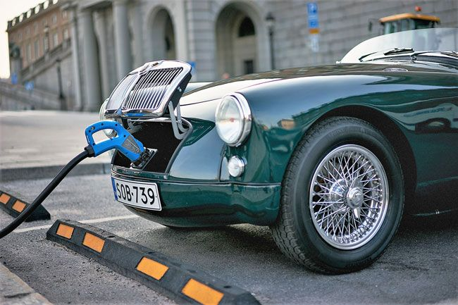 Green Motoring Electric Classic Cars At Retro Ev Retro To Go In 2020 Classic Sports Cars Classic Cars Electric Car Conversion