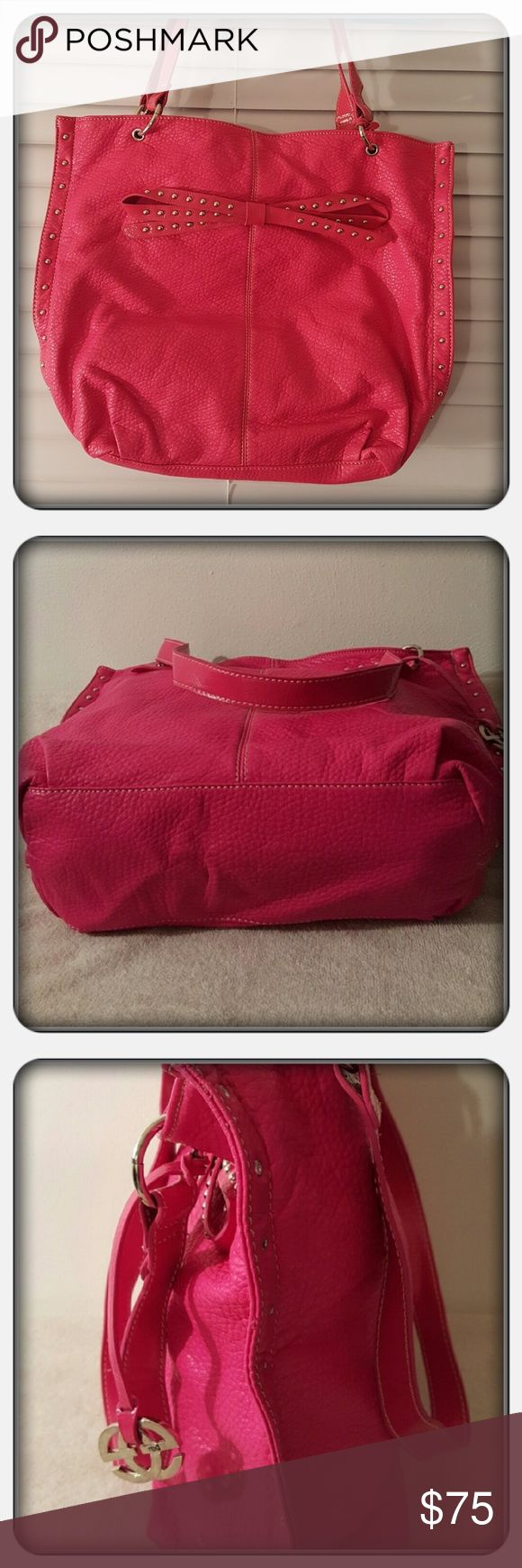 EUC Pink Shoulder Bag By Marc Echo Super Cute Pink Shoulder Bag With Double Straps By Marc Echo. This Purse Has Silver Toned Studs On The Bow And Down The Sides Of The Bag. This Spacious Purse Holler Alot Demonstrated In Above Pictures It Also Has 2 Interior Slip Pockets And 1 Zippered Pocket As Well As Magnetic Closure. Excellent Pre Loved Condition No Flaws Noticed 🚫 PAYPAL 🚫 TRADES 🚫 LOWBALLING ❤ Marc Echo Bags Shoulder Bags