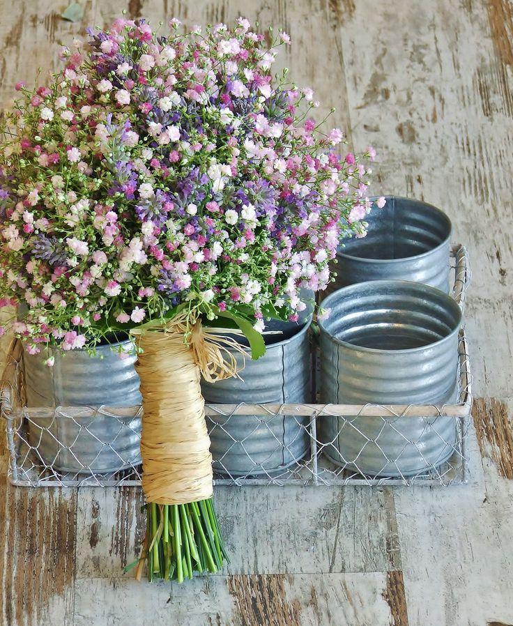 Paniculata Ramo de novia elaborado con Paniculata malva y flor de Lavanda. Tfno: 914115427 www.llorensyduran.eu: