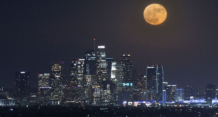 Ahead of making his final foreign speech as president, Barack Obama arrives in Greece as he embarks on a tour of Europe.        The supermoon is photographed over the city of Los Angeles. It marks the closest the moon has come to earth since 1948.