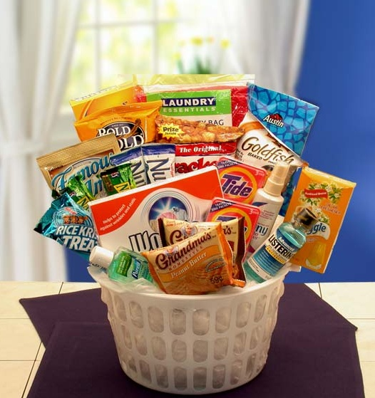Care package for a college student.: Home Care, Gourmet Food, Care Packs, Gifts Baskets, Gifts Ideas, Care Package, Colleges Care Packaging, Granola Bar, 101 Care