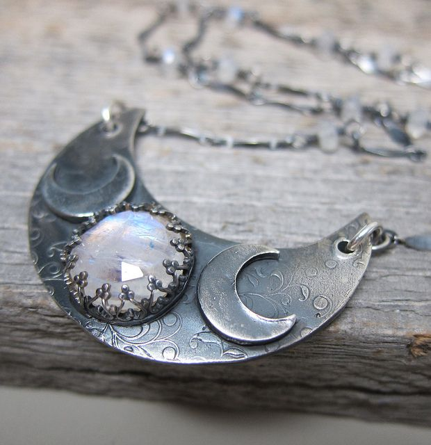Triple moon necklace with moonstone #jewellerey #necklace