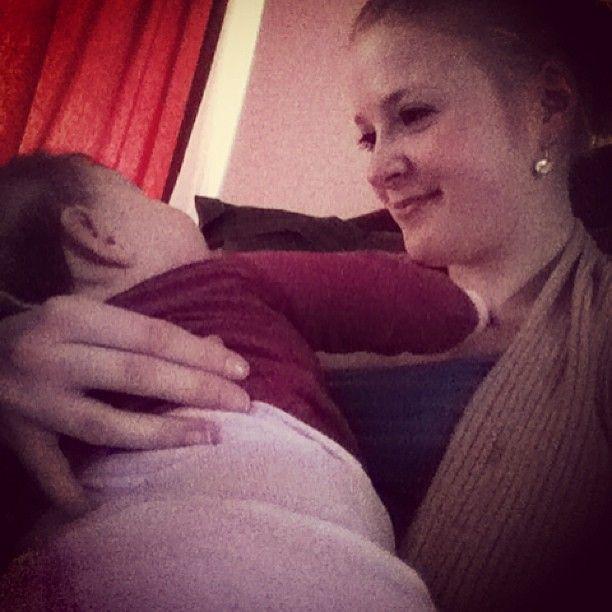 Borstvoeding Mommy monday: Lana's voedingspatroon van baby tot dreumes : Van borstvoeding tot zelfgemaakte hapjes babyvoeding, tussendoortjes en meer