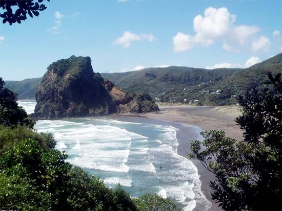View to Lion Rock at #Piha west #Auckland #NewZealand http://www.new-zealand-vacations-in-west-auckland.com/surfing-vacation.html