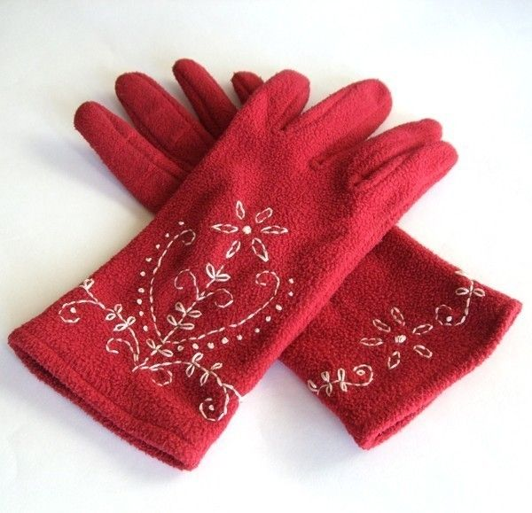 Embroidered Gloves  •  Free tutorial with pictures on how to make gloves in under 90 minutes
