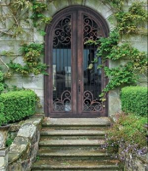 i must have an obsession with doors... :)
