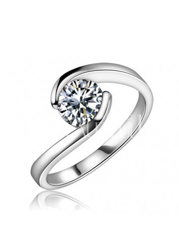 Classical Two Claws Wedding Ring Inlaid With Round Zircon #jewelry www.BlueRainbowDesign.com
